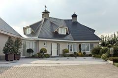 Schönes countryhouse in den Niederlanden Stockbilder