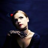 Schönes Retro- Frauenwundern Stockfoto