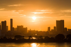 Schönes Schattenbild von Tokyo bei Sonnenuntergang Stockfoto