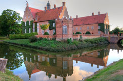 Schönes schwedisches Schloss Lizenzfreie Stockbilder