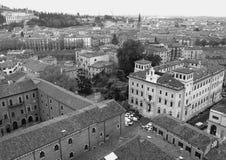 Schönes Stadtbild von Verona Old Town in monotonem Stockfotos