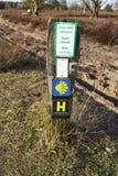 Schneverdingen Alemania - pista de senderismo Heidschnuckenweg fotos de archivo