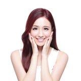 Schönheitsfrau mit reizend Lächeln Stockfotos