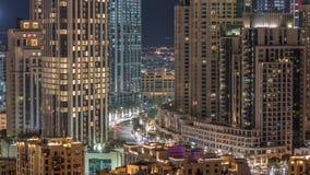 Schnittverkehrs-Nacht-timelapse auf Mohammed Bin Rashid Boulevard stock video footage