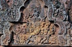 Schnitzen in Banteay Srei Stockbilder