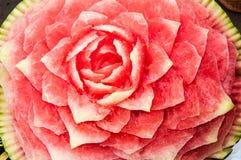 Schnitzen der Wassermelone Lizenzfreie Stockbilder