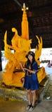 Schnitzen Sie Skulptur-die große Kerzen-Herstellung Lizenzfreie Stockfotografie