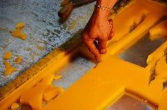 Schnitzen Sie Skulptur-die große Kerzen-Herstellung Stockfoto