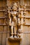 Schnitzte schön Idole, den Jain Tempel, aufgestellt im Fortkomplex, Jaisalmer, Rajasthan, Indien stockfotos