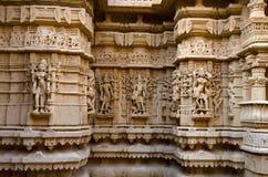 Schnitzte schön Idole, den Jain Tempel, aufgestellt im Fortkomplex, Jaisalmer, Rajasthan, Indien lizenzfreie stockbilder
