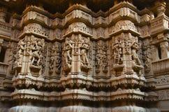 Schnitzte schön Idole, den Jain Tempel, aufgestellt im Fortkomplex, Jaisalmer, Rajasthan, Indien stockbilder