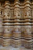 Schnitzte sch?n Idole, den Jain Tempel, aufgestellt im Fortkomplex, Jaisalmer, Rajasthan, Indien stockbilder