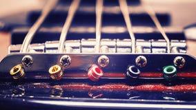 Schnüre von Jazz Bass Guitar Lizenzfreie Stockfotos