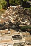 Schnur des Spalten-Brennholzes Lizenzfreie Stockfotos