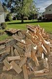Schnur des Spalten-Brennholzes Lizenzfreie Stockbilder