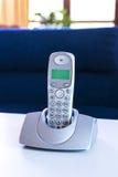 Schnurloses Telefon auf einer Tabelle Lizenzfreie Stockbilder