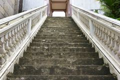 Schodki do świątyni, Tajlandia, budynek poświęcać cześć lub dotyczący jako mieszkaniowy miejsce, lub obraz royalty free