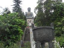Schodki gigantyczna Buddha statua zdjęcie royalty free