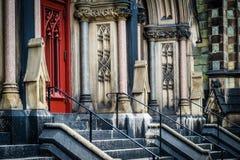 Schodki i drzwi Mount Vernon miejsce Jednoczyli kościół metodystów, Zdjęcia Stock