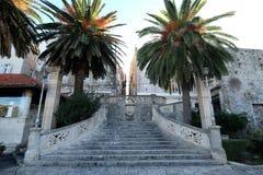 Schodki wejściowi stary średniowieczny miasteczko Korcula, Chorwacja Obraz Royalty Free