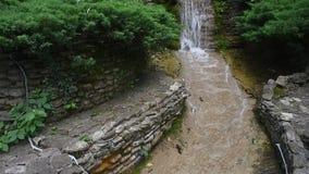 Schodowa krok siklawa w Gelendzhik zdjęcie wideo