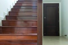 Schody drewno obrazy royalty free