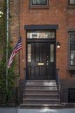Schody i flaga, stary mieszkanie, Miasto Nowy Jork Obrazy Stock