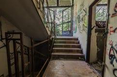 schody i graffiti w fabryce obrazy royalty free