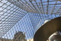Schody ostrosłup louvre, Paryż, Francja Zdjęcia Royalty Free
