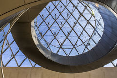 Schody ostrosłup louvre, Paryż, Francja Fotografia Stock