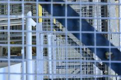 schody przemysłowe Zakończenie Przemysłowy żelazny schody Tło Makro- wizerunek może używać jako tło Obraz Stock