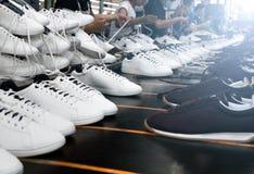 Schoen makend proces Stock Foto's