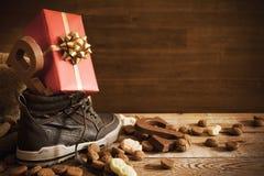 'Schoen zetten', per la festa olandese 'Sinterklaas' Immagini Stock