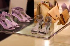 Schoenen en zakken Stock Afbeelding