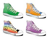 Schoenen met vredessymbool stock fotografie