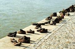 Schoenen op de Donau Stock Afbeeldingen
