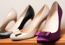 Schoenen op de opslag stock foto's