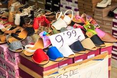 Schoenen op verkoop Stock Afbeelding