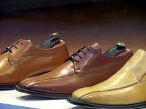 Schoenen op vertoning stock afbeelding