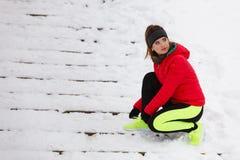 Schoenen van de vrouwen de bindende sport tijdens de winter stock afbeelding