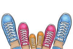 Schoenen van de zomer de in sporten Familie-looppas inzameling van tennisschoenen Vector vector illustratie