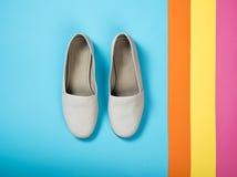 Schoenen van het vrouwen de toevallige grijze leer Royalty-vrije Stock Afbeelding