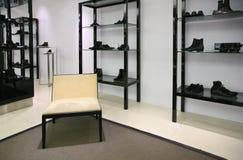 Schoenen in winkel Royalty-vrije Stock Foto's