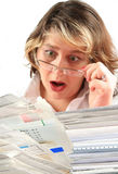 Schokierender Stapel der Rechnungen Lizenzfreie Stockbilder