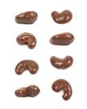 Schokoladeüberzogene Acajounuss lokalisiert Stockbild