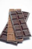 Schokolade auf einem weißen Hintergrund Lizenzfreie Stockfotografie