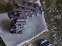 Schokolade auf einer Serviette Lizenzfreie Stockbilder