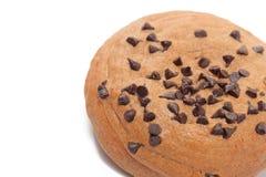 Schokolade Chips Coffee Bun auf Weiß Stockfotos