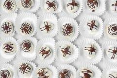 Schokolade der weißen Trüffel lizenzfreie stockfotos