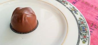 Schokolade in einer Platte Stockfoto